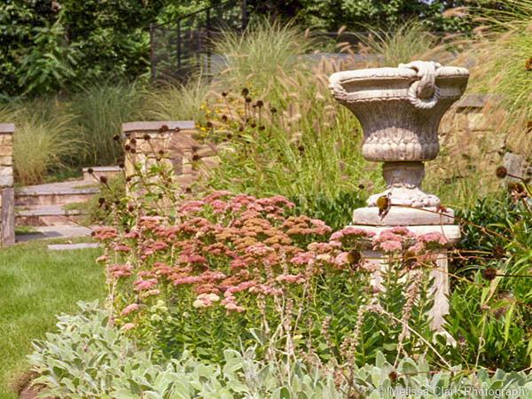 Hess Garden_urn
